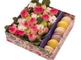 Кашированная коробка с цветами