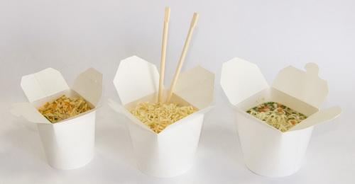 фото одноразовых контейнеров с салатами